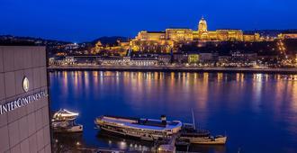 إنتركونتنينتال بودابست، آن آي آيتش جي هوتل - بودابست - المظهر الخارجي