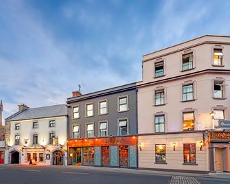 Queens Hotel and Nightclub - Ennis - Building