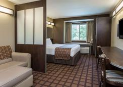 Microtel Inn & Suites by Wyndham Jacksonville Airport - Jacksonville - Makuuhuone