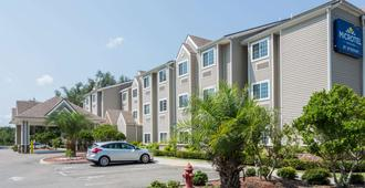 Microtel Inn & Suites by Wyndham Jacksonville Airport - Jacksonville - Edificio