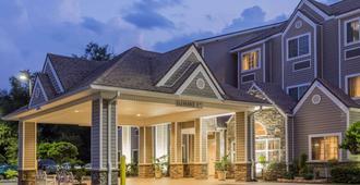 Microtel Inn & Suites by Wyndham Jacksonville Airport - Jacksonville - Edificio