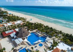 Viva Wyndham Maya - Playa del Carmen - Beach