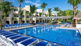 Viva Wyndham Maya - Playa del Carmen - Pool