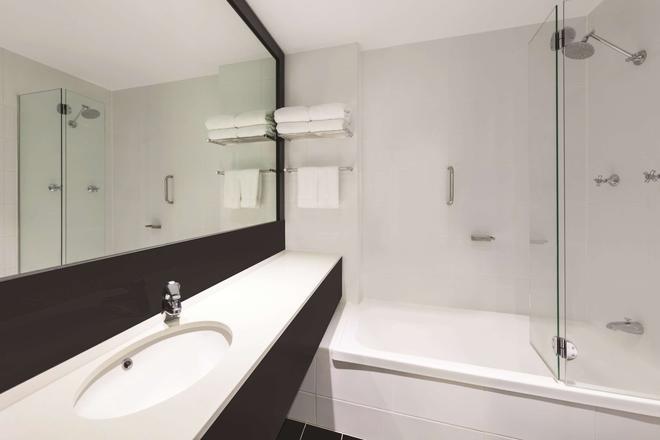黃金海岸艾博飯店 - 衝浪者天堂 - 浴室
