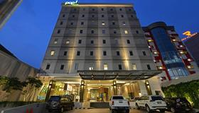 Pop Hotel Pasar Baru - Jacarta - Edifício