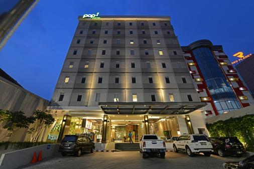Pop Hotel Pasar Baru - Jakarta - Gebäude