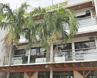Blue Paseo Grande Inn - Naga City - Building