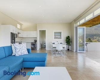 Mount Bay - Hout Bay - Living room