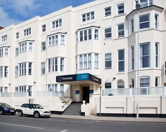 Travelodge Worthing Seafront - Worthing - Building