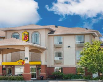 Super 8 by Wyndham High River AB - High River - Building