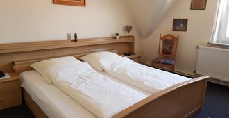 City Hotel Garni - Hameln - Schlafzimmer