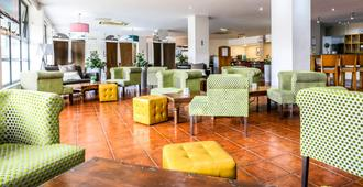 OYO Flagship Sheffield Metropolitan - Sheffield - Lounge
