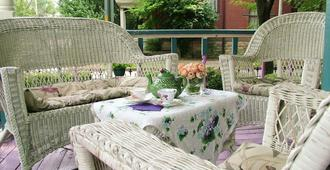 Harrison House Bed & Breakfast - Columbus - Patio
