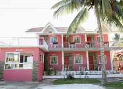 Luzmin BH - Pink House - Oslob - Κτίριο