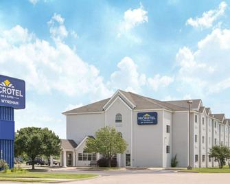 Microtel Inn & Suites by Wyndham Independence - Independence - Building