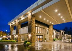 Best Western Plus Burnaby Hotel - Burnaby - Building