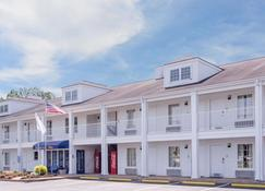 Baymont by Wyndham Albany at Albany Mall - Albany - Edificio