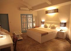 Eros Boutique Hotel - Baga - Bedroom