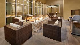 Staybridge Suites Anaheim At The Park - Anaheim - Patio