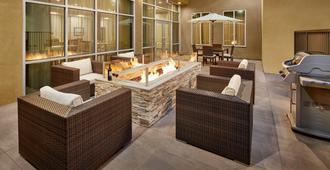 Staybridge Suites Anaheim At The Park - Anaheim - Innenhof