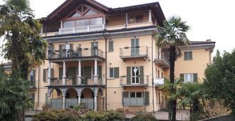 Hotel Azalea - Baveno - Building