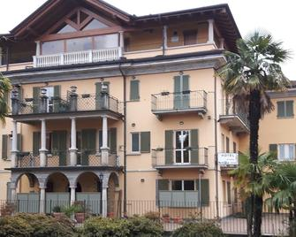 Azalea Hotel - Baveno - Building