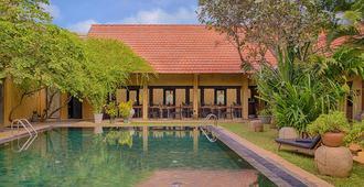 Jetwing Ayurveda Pavilions - Negombo - Pool