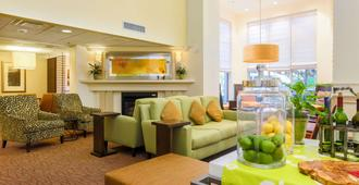 Hilton Garden Inn Dallas/Market Center - Dallas - Hành lang