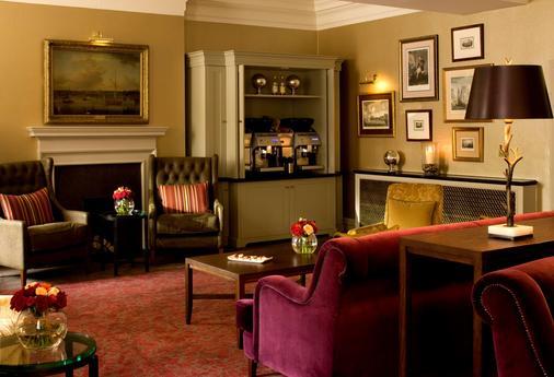 De Vere Devonport House - London - Bar