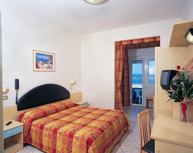 戴安娜酒店 - 里米尼 - 里米尼 - 臥室