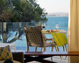 Bikini Beach Suites - Gordon Bay