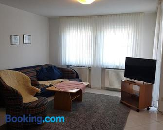 Gästehaus-zum-See - Bad Buchau - Living room