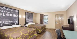 Super 8 by Wyndham Pensacola West - Pensacola - Bedroom
