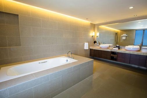 京那巴魯凱悅酒店 - 亞庇 - 浴室