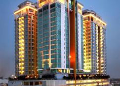 Cambridge Hotel Medan - Medan - Edificio
