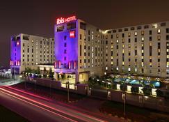 Ibis New Delhi Aerocity Hotel - New Delhi - Building