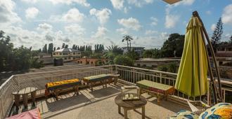 Agoo Hostel - Accra - Balcony