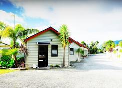 Tairua Shores Motel - Tairua - Edificio