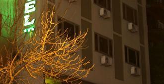 Dallas Hotel - San Miguel de Tucumán - Edificio