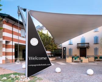 CDH Hotel Villa Ducale - Parma - Gebouw