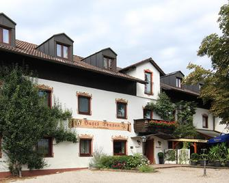 Hotel Trasen - Waldkraiburg - Gebäude