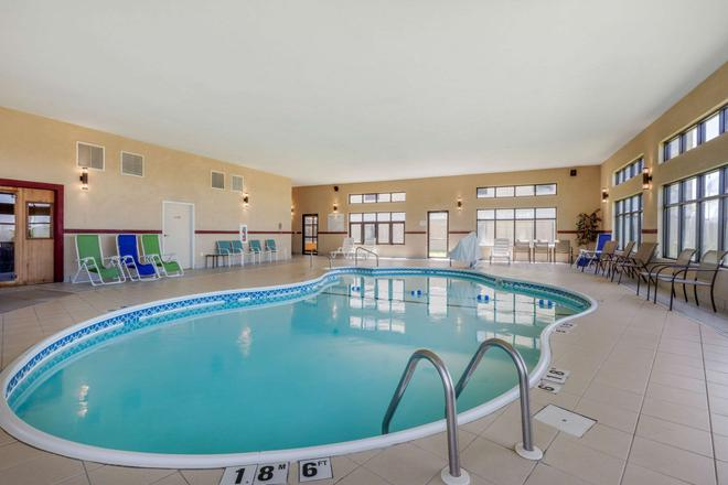 Comfort Suites - Rolla - Pool