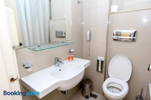 里維艾拉酒店 - Rhodes (羅得斯公園) - 羅德鎮 - 浴室