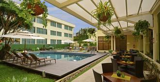 Auténtico Hotel - San José - Bể bơi