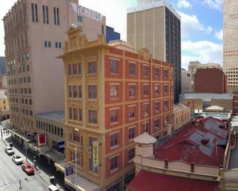 Adelaide Paringa - Adelaide - Außenansicht