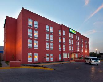 City Express Junior Toluca Aeropuerto - Toluca - Building