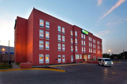 City Express Junior Toluca Aeropuerto - Toluca - Toà nhà