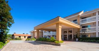 Best Western Plus Monterey Inn - Monterey