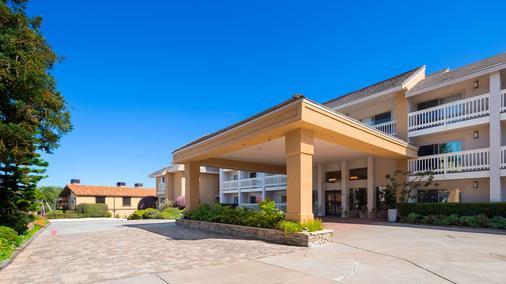 Best Western Plus Monterey Inn - Monterey - Building