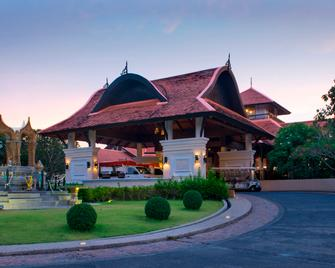 Rawi Warin Resort and Spa - Ko Lanta - Building